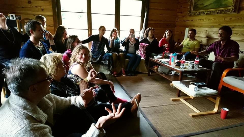 2017-05-06 bendruomenės seminaras Kalnuotėje vyksta jaukiai